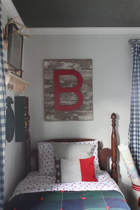 wall decor for boys cozy vintage boys room design dazzle