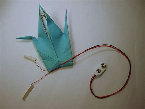 Wire Origami - fold your own electronic flapping crane how to the