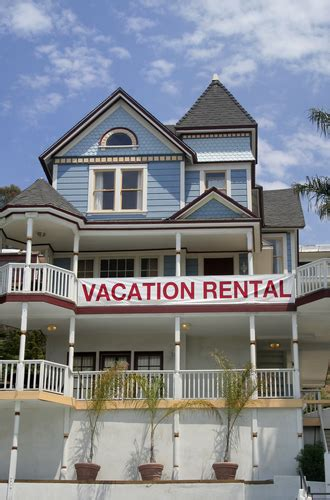 renting a condo vs apartment rent com blog 5 things short term furnished apartment rentals offers