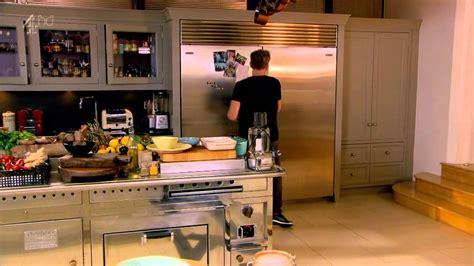 Gordon Ramsays Home Cooking S01e01 Gordon Ramsay Ss Home Cooking S01e18
