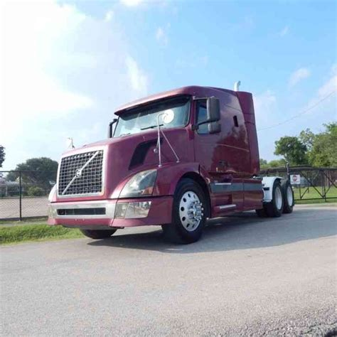 2004 volvo truck volvo 2004 sleeper semi trucks