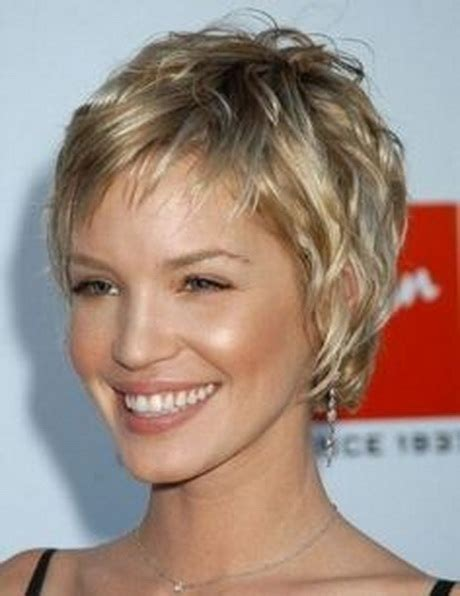 images of short feathered hairstyles feathered hairstyles for short hair