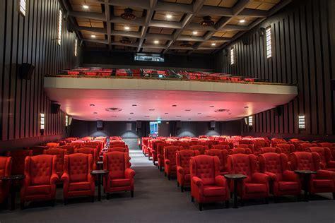 katso elokuva katso elokuvia calamari union helsingin elokuvateatterit leffateatterit stadissa fi