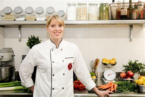 femme chef de cuisine perrine