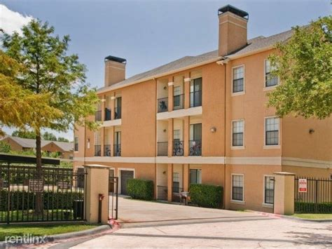 Townhome Apartments Lewisville Tx 2200 Uecker Dr Lewisville Tx 75067 Rentals Lewisville