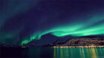 Aurora Landscape Lighting - aurora boreal gifs find amp share on giphy