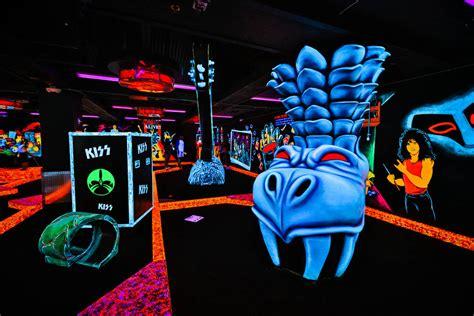 new themes kiss mini golf bowling coming to bally s on las vegas strip