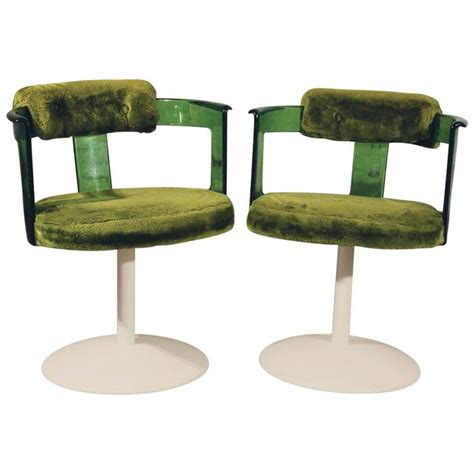 mixing modern chairs with antique table tulip chairs go green lucite mod tulip chairs by daystrom circa 1970