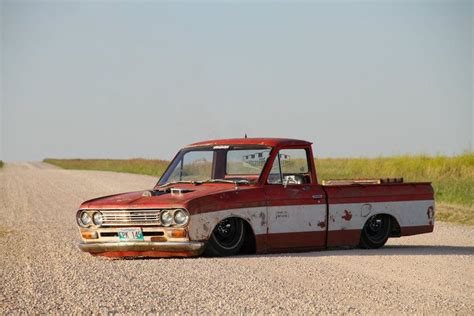 slammed nissan truck bodydropped datsun built by mindliss fab mini