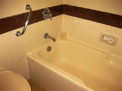 hotels with bathtub in goa bathroom picture of holiday inn resort goa cavelossim