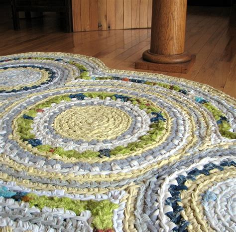 crochet a rag rug disc apple green and lemon yellow crocheted rag rug starry nights big project and patterns
