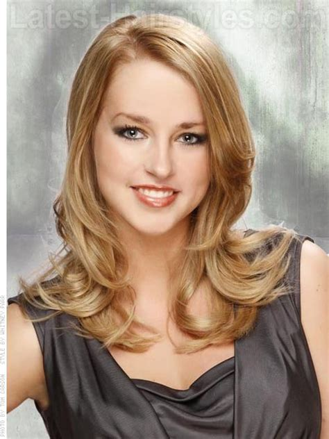 medium length hair for over 50 pear shaped face heart shaped face hairstyles www pixshark com images