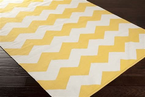 Yellow And White Rugs by Artistic Weavers Vogue Collins Awlt3023 Yellow White Area Rug