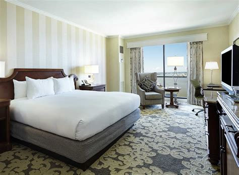 new orleans hotel suites 2 bedroom photos and video hotels in new orleans with 2 bedroom suites staybridge