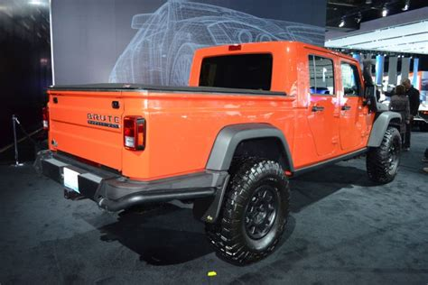 new jeep truck 2019 breaking updated jeep wrangler confirmed by 2019