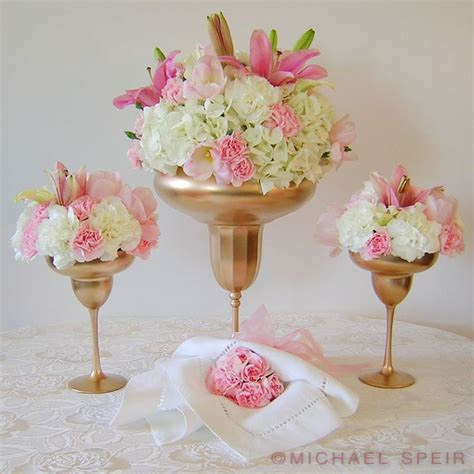 Flowers In Vases For Centerpieces by Best 25 Gold Vase Centerpieces Ideas On