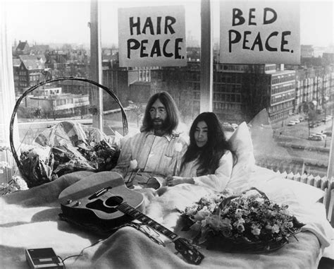 Bed Peace Mp3 by Photographie Bed Peace Keystone Agency 183 Yellowkorner