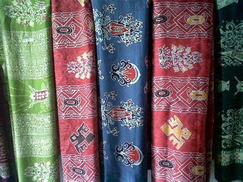 Baju Batik Motif Peta Indonesia batik benang bintik batik kalimantan tengah