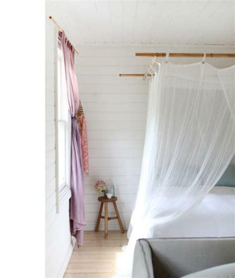 himmelbett gardinen 33 erstaunliche wei 223 e himmelbett designs f 252 r ihr schlafzimmer