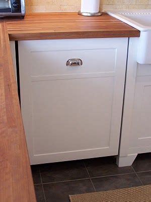 dishwasher kitchen cabinet 53 best images about dishwasher panel on pinterest