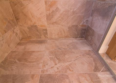 Custom tile shower   Céramiques Hugo Sanchez Inc