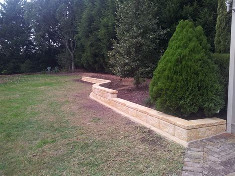 Landscape Edging Blocks Garden Edging In Style Landscapes