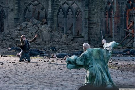 daniel radcliffe harry potter deathly hallows part 2 deathly hallows part 2 movie stills daniel radcliffe