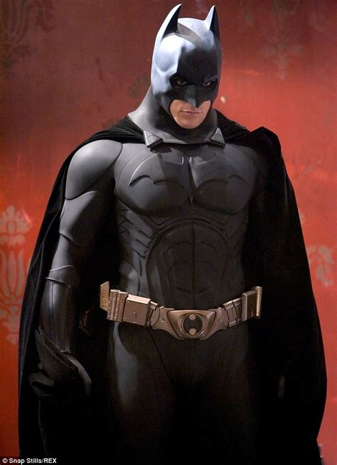 jual wallpaper batman kostum batman dari tahun 1989 hingga sekarang kaskus