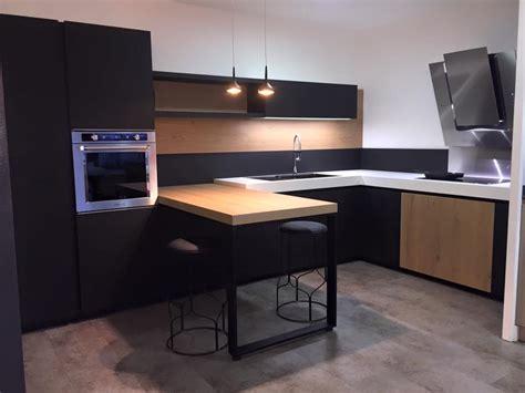 cuisine 駲uip馥 pour petit espace ordinaire cuisine equipee pour petit espace 13 cuisine