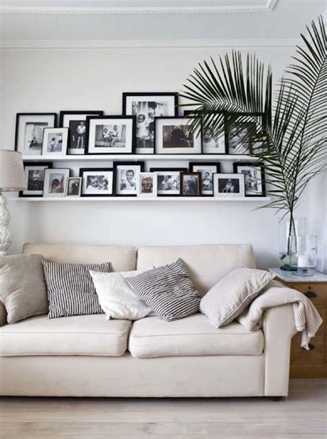 wohnzimmer mit bildern gestalten