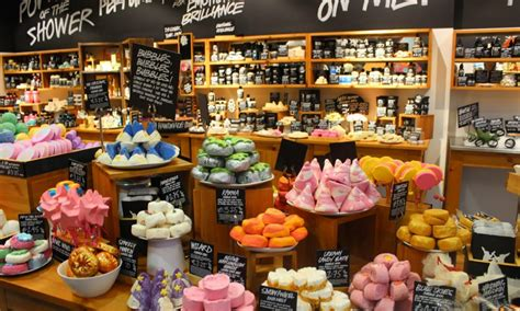 Handmade Products Store - reasons to shop at lush