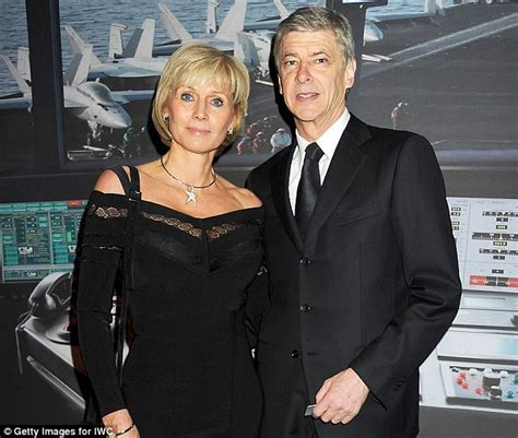 Comptoir Louise Et Frédéric by Arsenal S Arsene Wenger Looks Serious After Separation