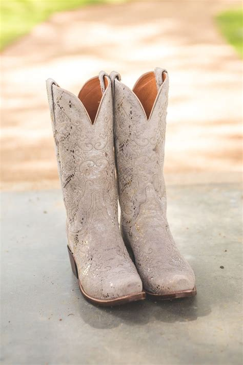 lucchese bridal cowboy boots