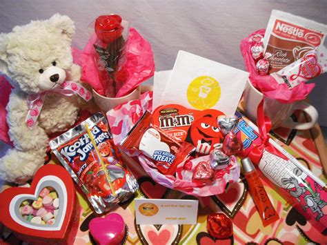 valentine presents 50 valentines day ideas best love gifts free