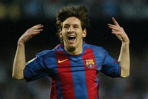 messi a biography by leonardo faccio summary all about football biography of lonel messi
