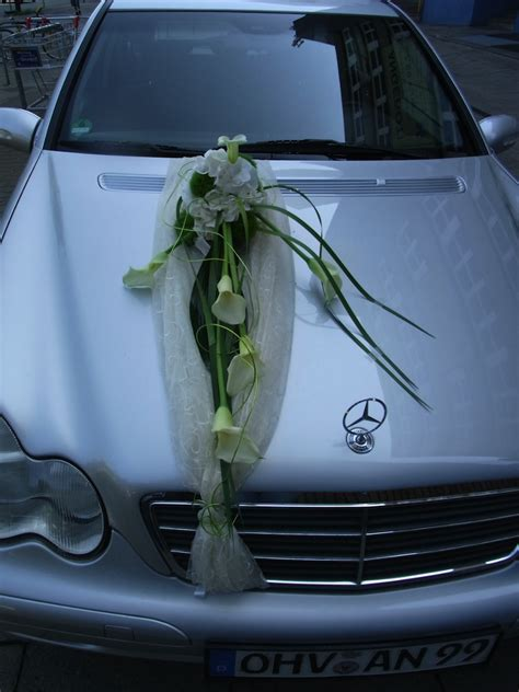 autoschmuck hochzeit modern blumen seerose wedding der versteckte blumenladen