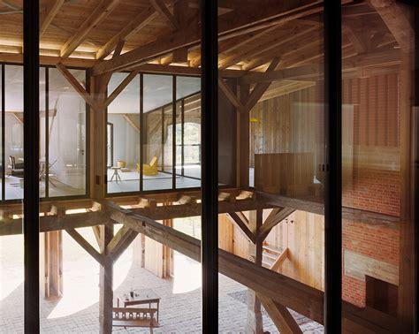 Grange à Vendre Pyrénées by Rote Scheune Barn Niemcy O Designie I Wnętrzach