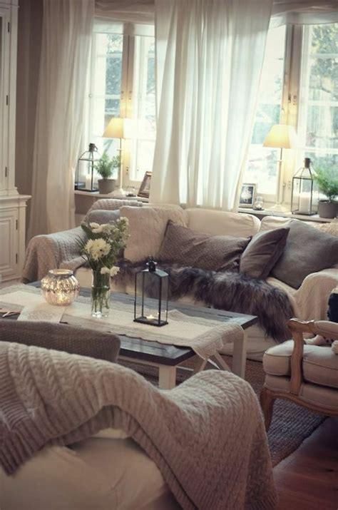 1001 tolle ideen f 252 r fensterdeko mit fensterbank len - Fensterbrett Wohnzimmer