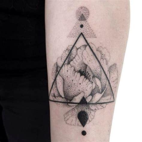 Kalung Fashion Minimlaist With Empty Triangle 24 incre 237 bles tatuajes de puntillismo que no podr 225 s parar