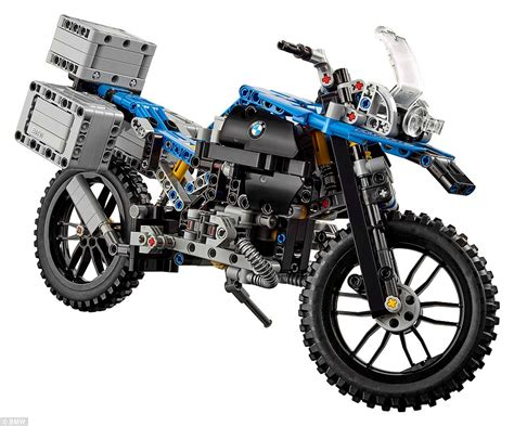 Motorrad Bmw 1200 Gs by Bmw Unveils A Flying Motorbike Concept Based On Lego