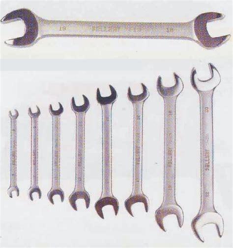 Kunci Pas Ukuran 10 smk x tkr 1 daftar peralatan dan peralatan bengkel beserta fungsinya