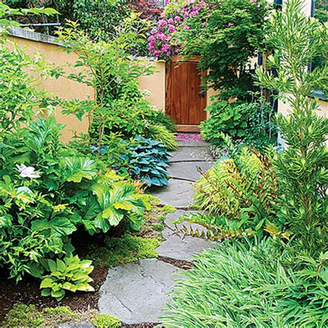 Gardening Escapists 12 Ideas For Side Yards Side Yards Autumn Fern And Yards