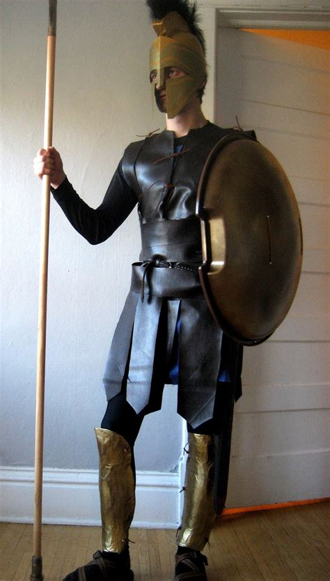 How To Make A Spartan Helmet Out Of Paper - chuck does diy spartan hoplite costume