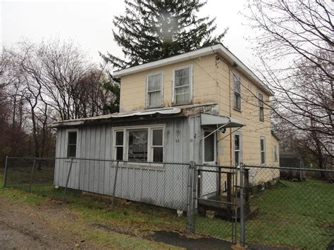 Gardens Haverhill Ma by 23 Tower Ave Haverhill Ma Mls 72151347 Better Homes