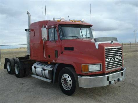 Trucks With Sleeper For Sale by 2003 Mack Tractor Truck W Sleeper Ch613 For Sale Mack