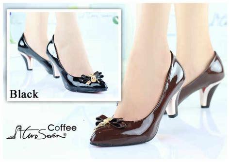 Sepatu Sandal Flat Wanita Cewek Trendy Terbaru Murah Sh 6132 sepatuwani taterbaru contoh sepatu wanita images
