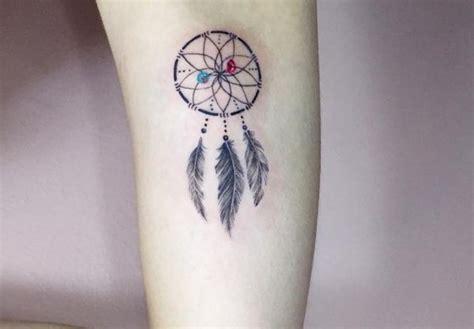 tattoo arm klein traumf 228 nger tattoo seine bedeutung und 22 ideen