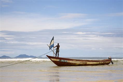 fishing boat for rent in bahrain sierra leone image gallery lonely planet