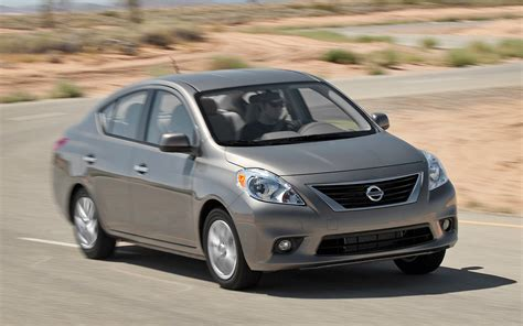 2012 nissan versa review 2012 nissan versa reviews and rating motor trend