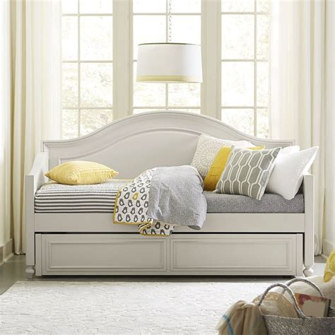 girls day bed the 25 best daybed ideas for girls ideas on pinterest